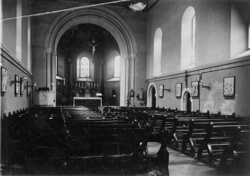 St James' church interior before 1925
