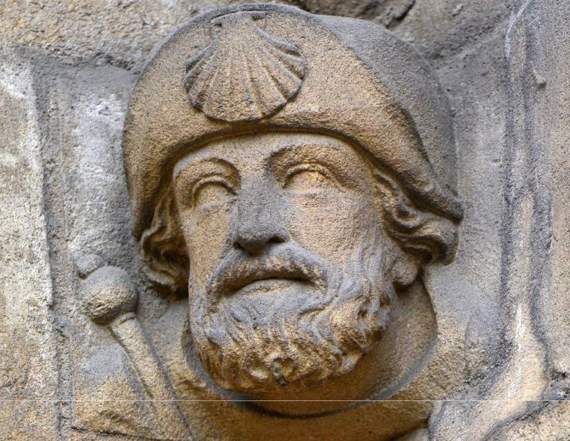 Abbey pilgrim head carved on the gateway