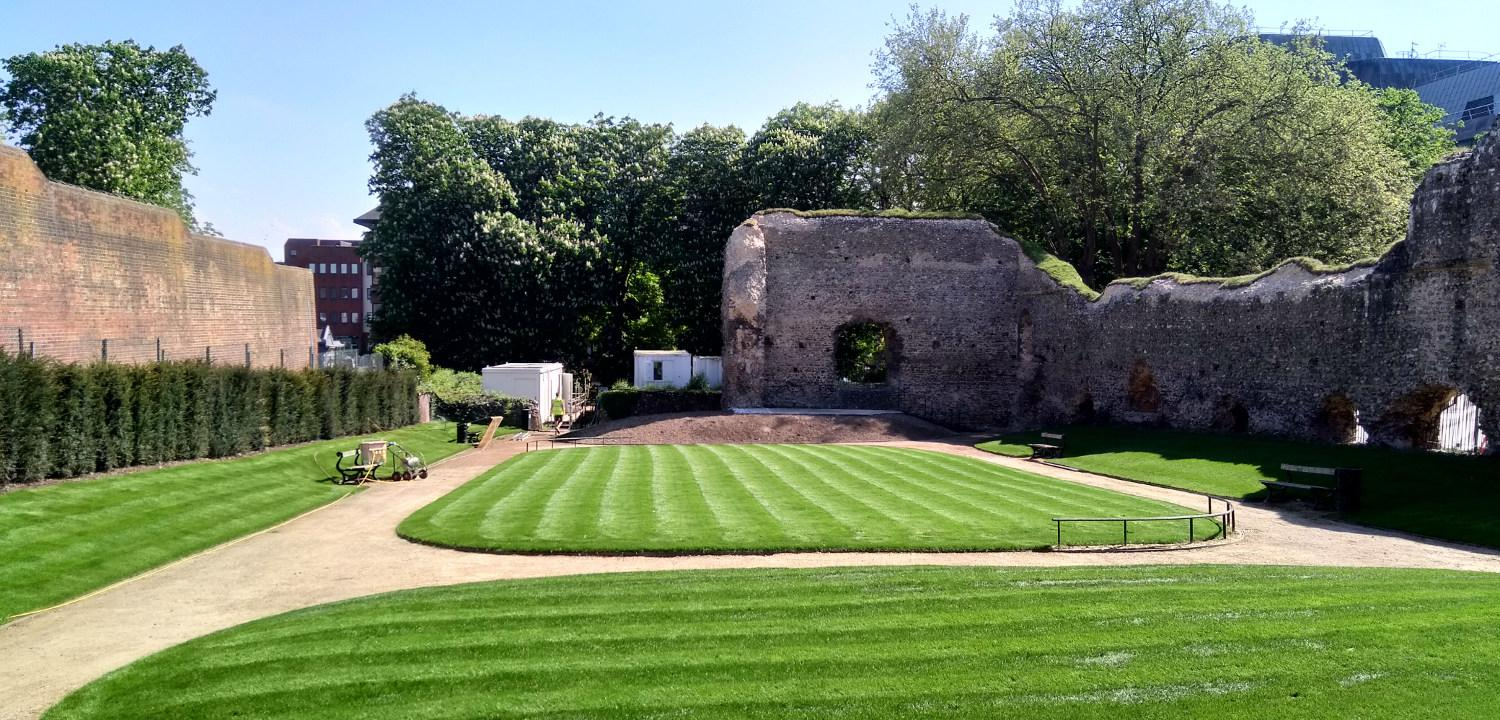Looking south in the Reading Abbey dormitory